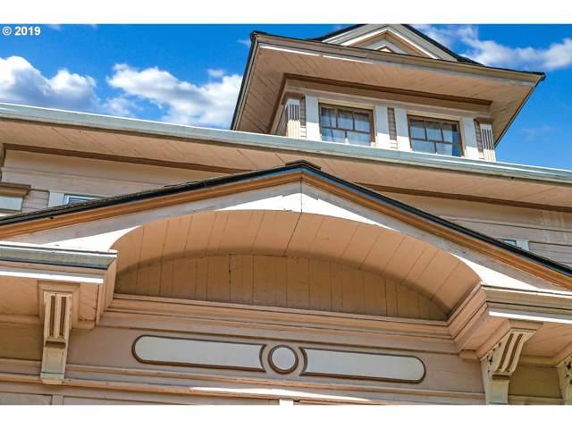 2935 SE Yamhill St, Portland, OR 97214 (MLS #19503800) :: McKillion Real Estate Group