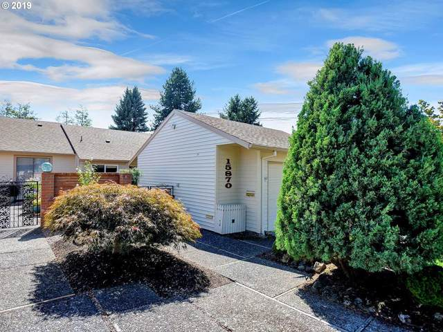 15870 SW Greens Way, Tigard, OR 97224 (MLS #19677180) :: Fox Real Estate Group