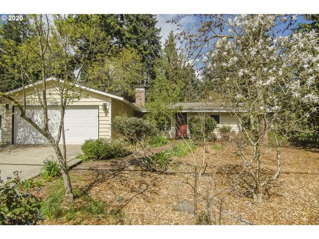 5237 SW Dawn St, Lake Oswego, OR 97035 (MLS #20018888) :: Premiere Property Group LLC