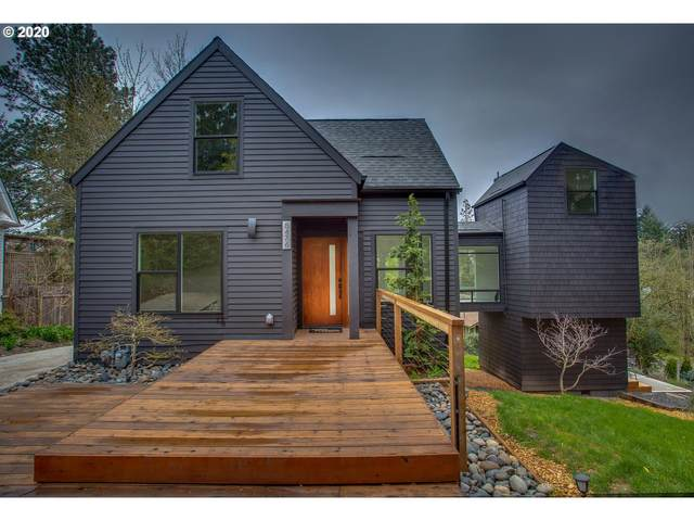 8476 SW 37TH Ave, Portland, OR 97219 (MLS #20020820) :: Lux Properties