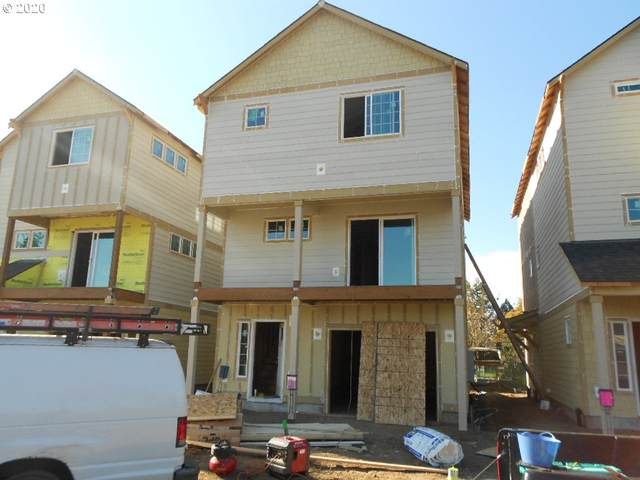 7949 SE Glencoe St #4, Milwaukie, OR 97222 (MLS #20039928) :: Premiere Property Group LLC
