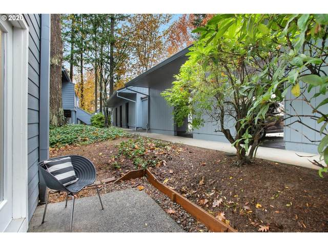 4344 SW Dickinson St, Portland, OR 97219 (MLS #20061859) :: Next Home Realty Connection