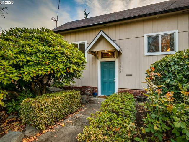 11558 SE 30TH Ave, Milwaukie, OR 97222 (MLS #20284973) :: Premiere Property Group LLC