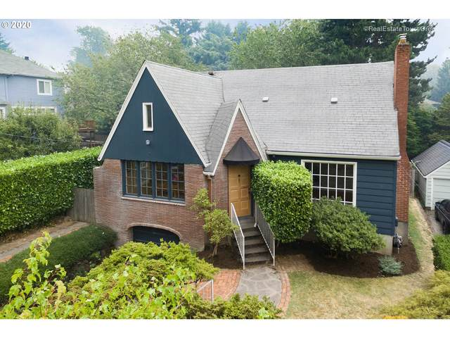 3734 SE Woodstock Blvd, Portland, OR 97202 (MLS #20330036) :: Beach Loop Realty