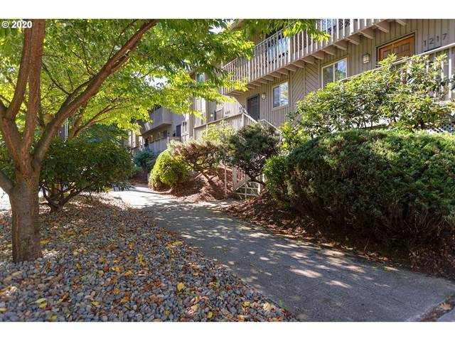 1215 NE 21ST Ave #8, Portland, OR 97232 (MLS #20355136) :: The Liu Group