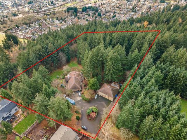 12455 SE 143RD Pl, Happy Valley, OR 97086 (MLS #20697194) :: The Liu Group