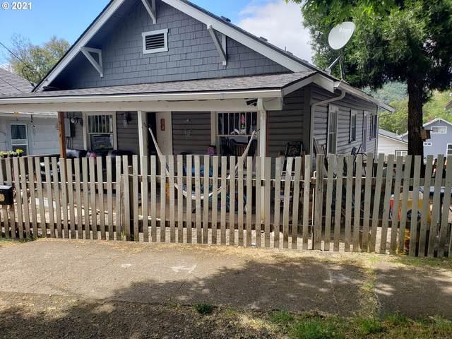 1514 SE Main St, Roseburg, OR 97470 (MLS #21080025) :: McKillion Real Estate Group