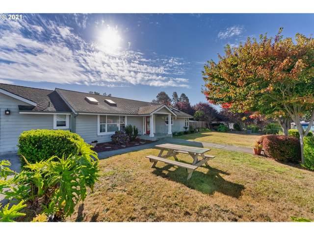 1315 Homestead Rd, Brookings, OR 97415 (MLS #21161382) :: McKillion Real Estate Group