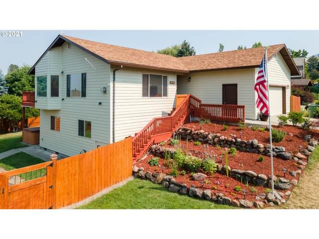 707 Highland Dr, La Grande, OR 97850 (MLS #21344892) :: Cano Real Estate