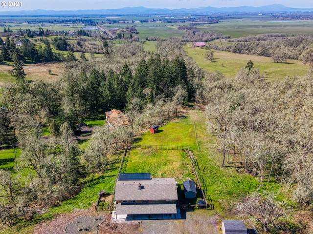 33781 Mount Tom Dr, Harrisburg, OR 97446 (MLS #21555539) :: The Haas Real Estate Team