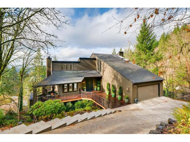 3921 SW Chesapeak Ave, Portland, OR 97239 (MLS #17163362) :: McKillion Real Estate Group