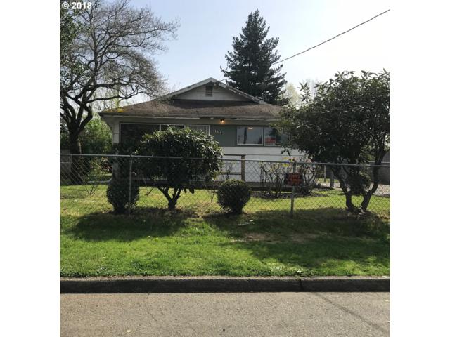 11718 SE Ash St, Portland, OR 97216 (MLS #18407557) :: Next Home Realty Connection