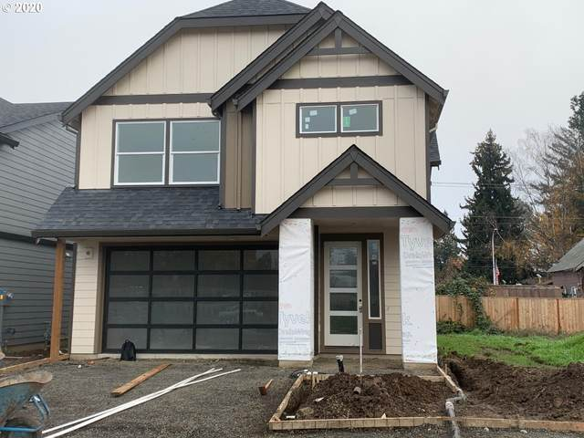 582 NW Adams Ave, Hillsboro, OR 97124 (MLS #20650591) :: The Galand Haas Real Estate Team