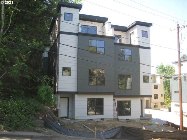 5961 SW 30th, Portland, OR 97239 (MLS #21302166) :: Song Real Estate