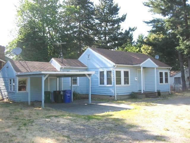 233 NE 192ND Ave, Portland, OR 97230 (MLS #11068875) :: Portland Real Estate Group