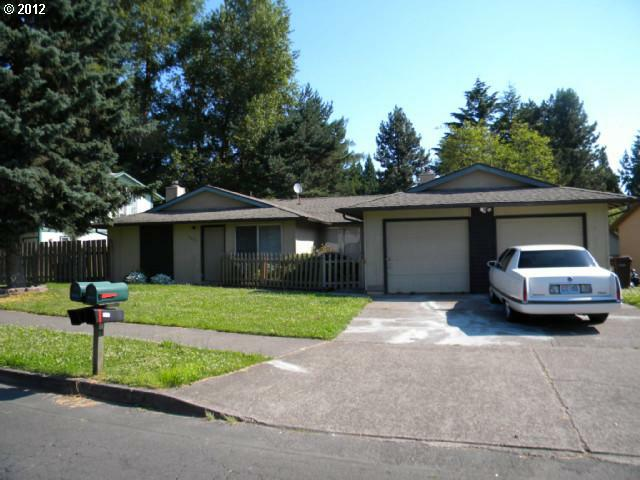 2437 SE 7TH St, Gresham, OR 97080 (MLS #12048094) :: Stellar Realty Northwest
