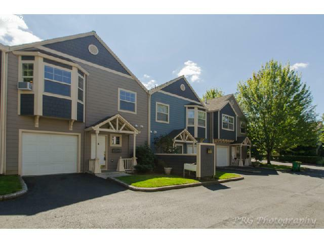 1324 SW Edgefield Meadows Ct, Troutdale, OR 97060 (MLS #12169146) :: Portland Real Estate Group