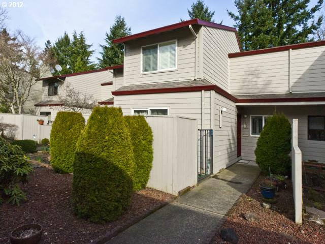 14868 SW 106TH Ave, Tigard, OR 97224 (MLS #12204091) :: Portland Real Estate Group
