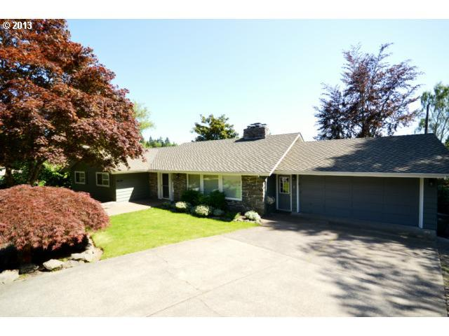3350 SW 70TH Ave, Portland, OR 97225 (MLS #12263936) :: Realty Edge