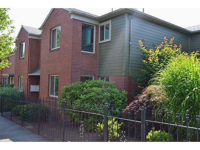 2409 SE 51ST Ave #4, Portland, OR 97206 (MLS #12276351) :: Stellar Realty Northwest