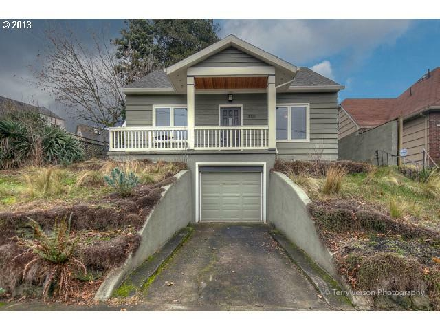 3925 NE Flanders St, Portland, OR 97232 (MLS #13418669) :: Portland Real Estate Group