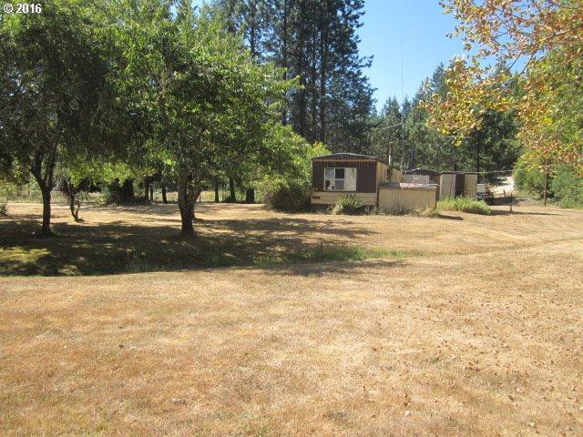 5184 Upper Cow Creek Rd, Azalea, OR 97410 (MLS #16032017) :: Portland Lifestyle Team
