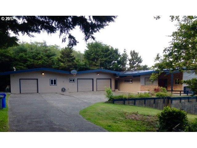1430 King St, Yachats, OR 97498 (MLS #16687677) :: Premiere Property Group LLC
