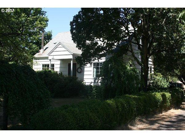 18201 SW Edy Rd, Sherwood, OR 97140 (MLS #17001793) :: Beltran Properties at Keller Williams Portland Premiere