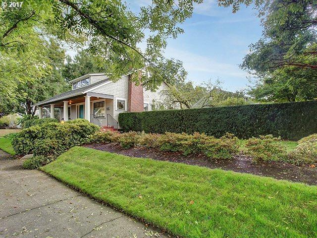 NE Tillamook St, Portland, OR 97212 (MLS #17013510) :: Hatch Homes Group
