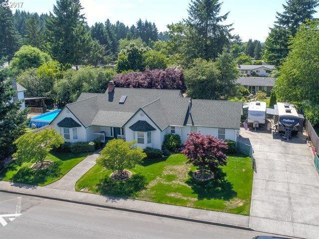 2616 NE 152ND Ave, Vancouver, WA 98684 (MLS #17018373) :: Matin Real Estate