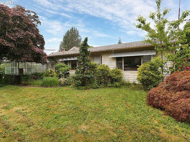 1433 SE 135TH Ave, Portland, OR 97233 (MLS #17031739) :: Stellar Realty Northwest