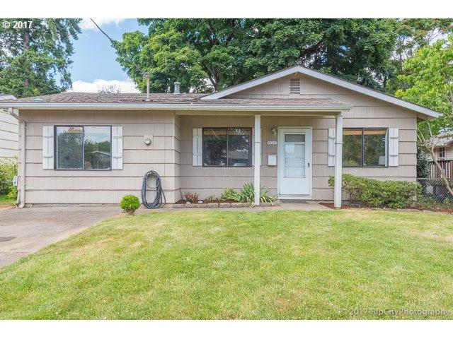 10265 N Polk Ave, Portland, OR 97203 (MLS #17041913) :: HomeSmart Realty Group Merritt HomeTeam