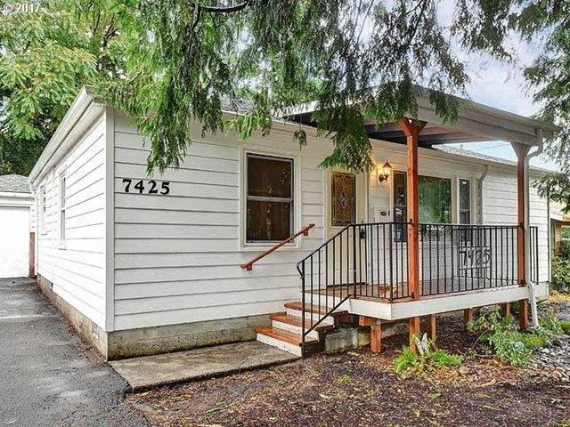 7425 SE Harney St, Portland, OR 97206 (MLS #17043073) :: Premiere Property Group LLC