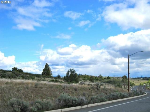 Esi Way, Klamath Falls, OR 97601 (MLS #17055864) :: Hatch Homes Group