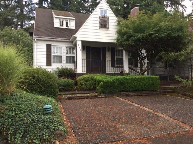 272 Greenwood Rd, Lake Oswego, OR 97034 (MLS #17078614) :: Matin Real Estate