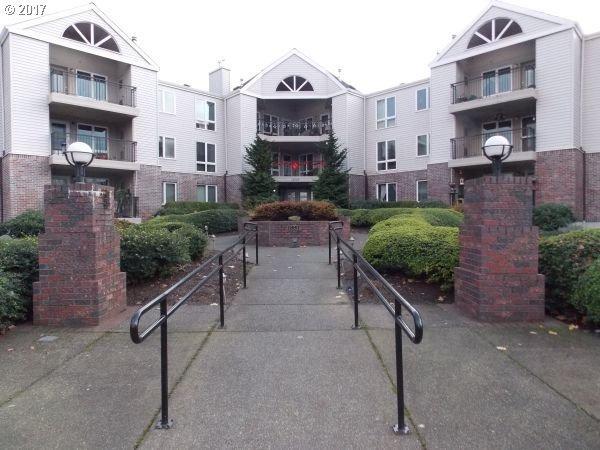 15510 NE Knott St #26, Portland, OR 97230 (MLS #17090481) :: Fox Real Estate Group