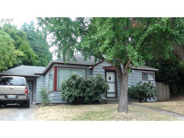 704 W 39TH St, Vancouver, WA 98660 (MLS #17100313) :: The Dale Chumbley Group