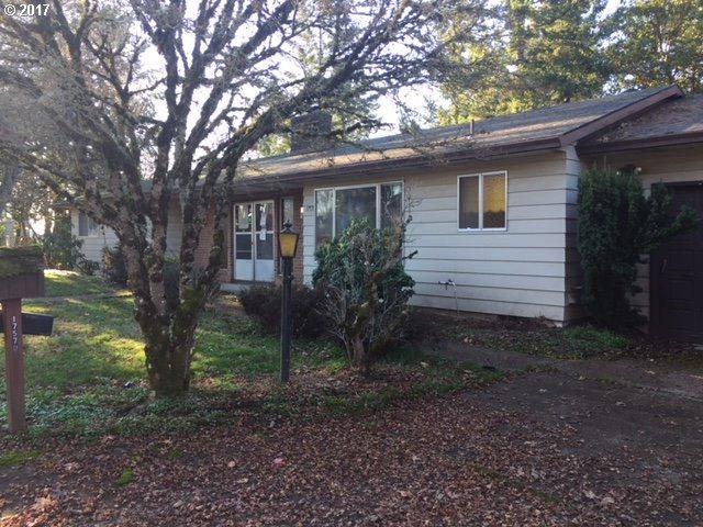 17570 Springhill Pl, Gladstone, OR 97027 (MLS #17101080) :: Stellar Realty Northwest