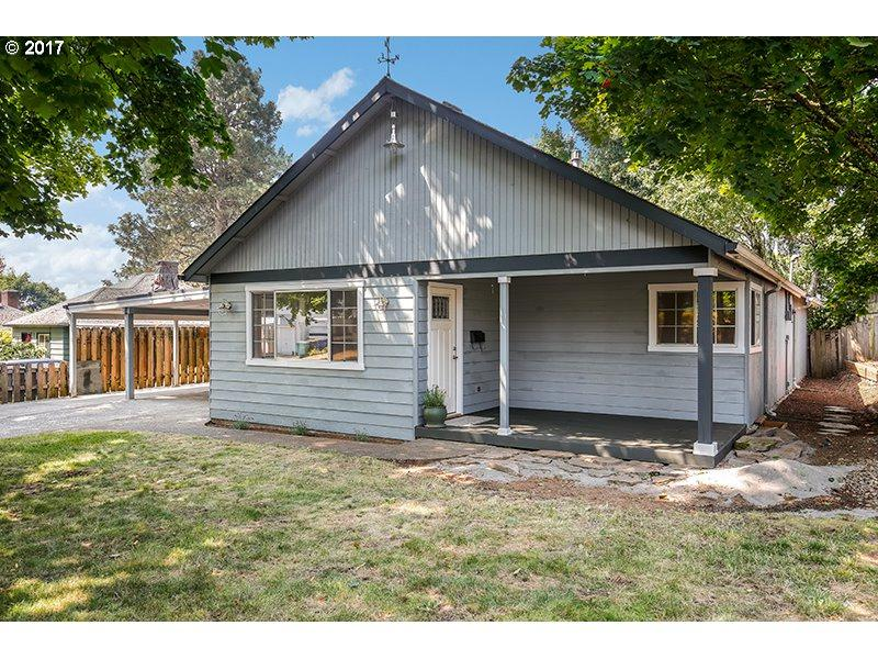 3912 NW Grant St, Vancouver, WA 98660 (MLS #17116575) :: The Dale Chumbley Group