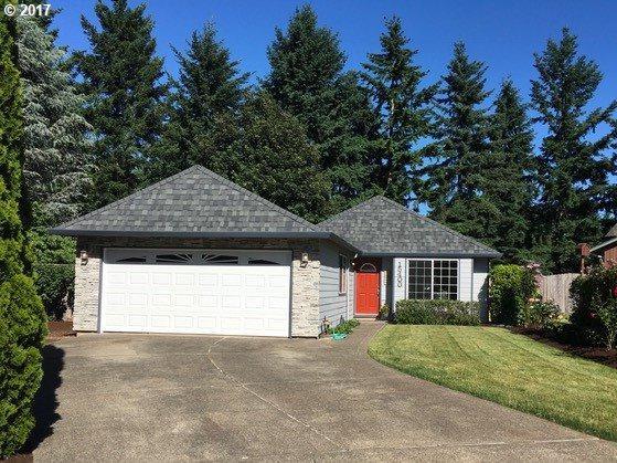 15400 Arborview Ct, Oregon City, OR 97045 (MLS #17121135) :: Fox Real Estate Group