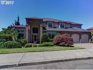 9380 SE Dundee Dr, Happy Valley, OR 97086 (MLS #17132827) :: Matin Real Estate