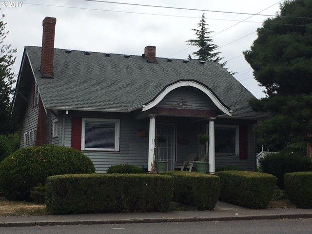 9707 N Lombard St, Portland, OR 97203 (MLS #17134701) :: HomeSmart Realty Group Merritt HomeTeam