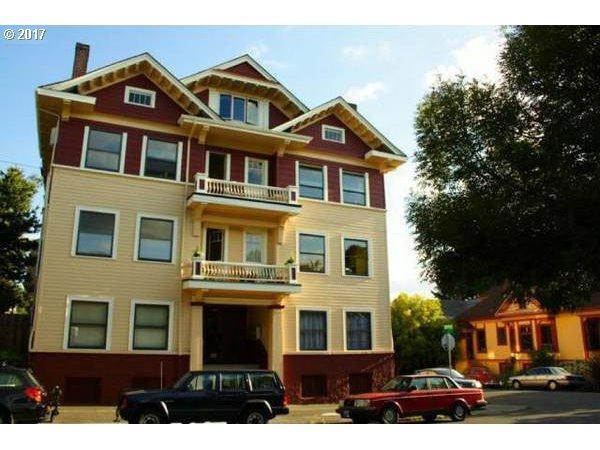1304 SE Ash St C, Portland, OR 97214 (MLS #17149184) :: Hatch Homes Group