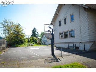 7809 NE Everett St, Portland, OR 97213 (MLS #17149663) :: SellPDX.com