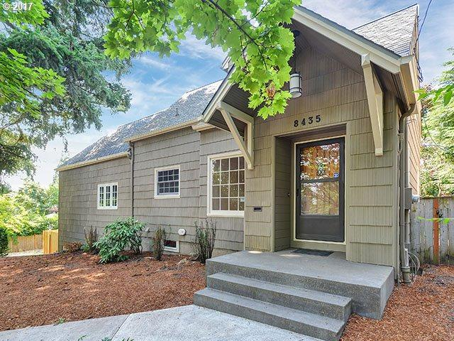 8435 SW 11th Ave, Portland, OR 97219 (MLS #17163268) :: Matin Real Estate