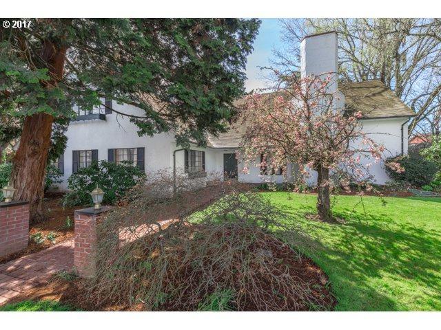 1060 SE Oak St, Hillsboro, OR 97123 (MLS #17175853) :: TLK Group Properties