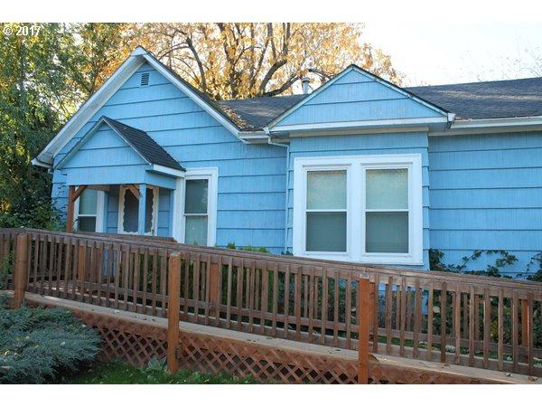 1641 NW Birdsdale Ave, Gresham, OR 97030 (MLS #17182621) :: Fox Real Estate Group