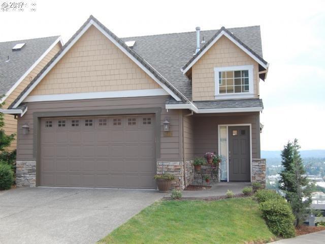 9132 SE Wyndham Way, Happy Valley, OR 97086 (MLS #17194116) :: Premiere Property Group LLC
