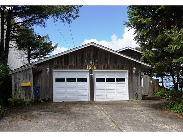 1505 SW Coast Ave, Lincoln City, OR 97367 (MLS #17228744) :: Team Zebrowski