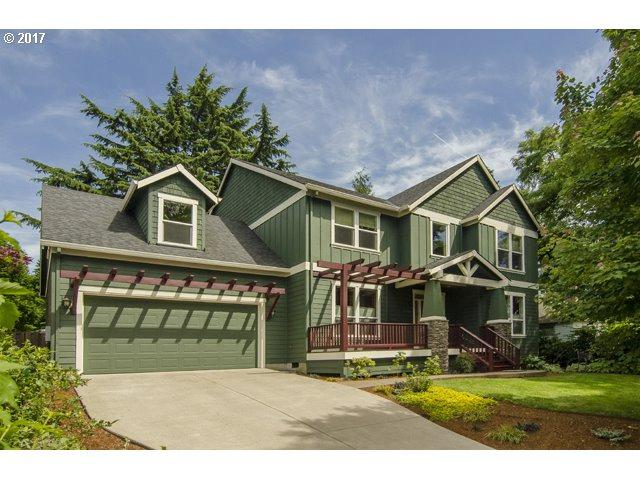 6740 SW 36TH Ave, Portland, OR 97219 (MLS #17230829) :: Hatch Homes Group